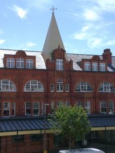 2 Bed flat, top floor above Llandudno Art Gallery – £485 pcm (NOW LET)