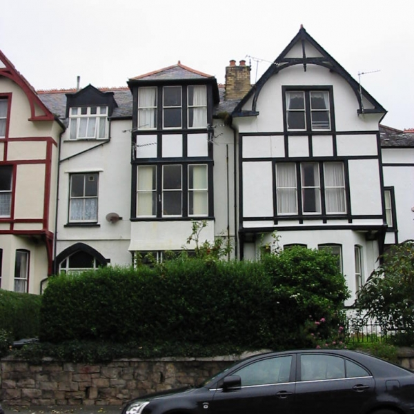 2 Bed Flat in 50 Abbey Road, Llandudno £475 pcm (NOW LET)