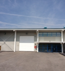 Modern Industrial/ Distribution Unit – £25,000 pax (NOW LET)
