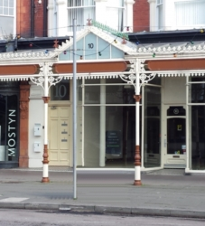 AVAILABLE NOW – Retail Premises, Llandudno town centre – £17,500 p.a.x.