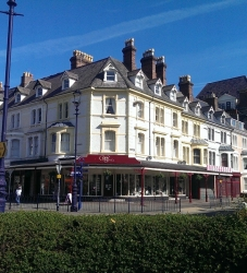 2 Bed flat, 3rd floor, 25 Vaughan Street, Llandudno – £450 pcm (NOW LET)