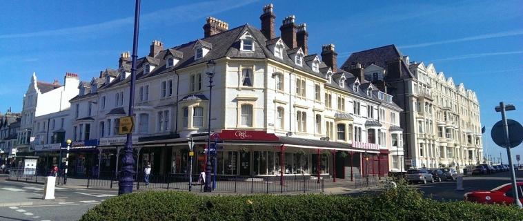 2 Bed flat, 3rd floor, 25 Vaughan Street, Llandudno – £450 pcm (NOW LET)