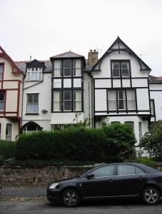2 Bed Flat in 50 Abbey Road, Llandudno £475 pcm (NOW LET)