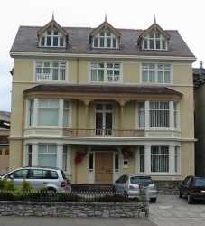 2nd Floor Office, Trinity Square, Llandudno To LET – £8,000 p.a.x